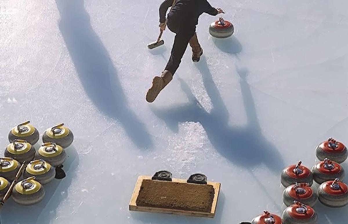 Curling auf dem Natureis
