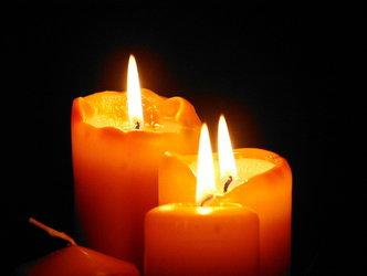 Schwimmen bei Kerzenlicht